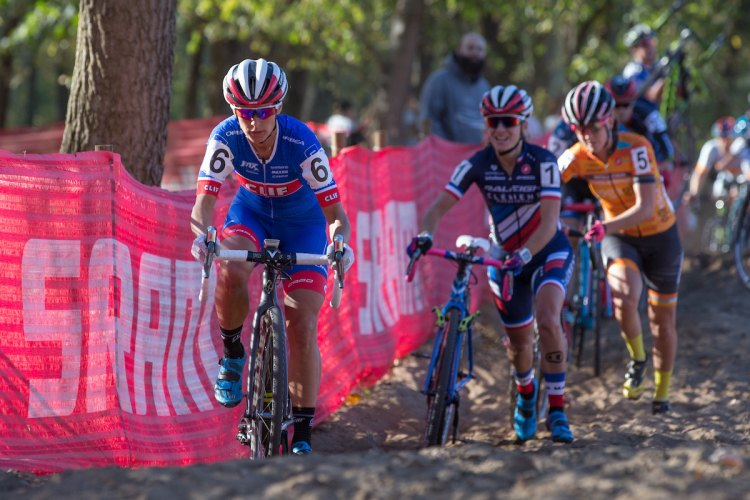Katerina Nash rides while others push at Day 2 of the Derby City Cup. © Wil Matthews