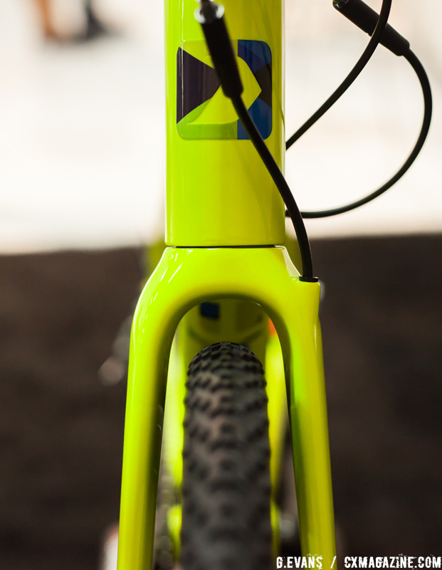 The internally-routed carbon Garneau fork has ample fender and mud clearance around 33c tires. © Cyclocross Magazine
