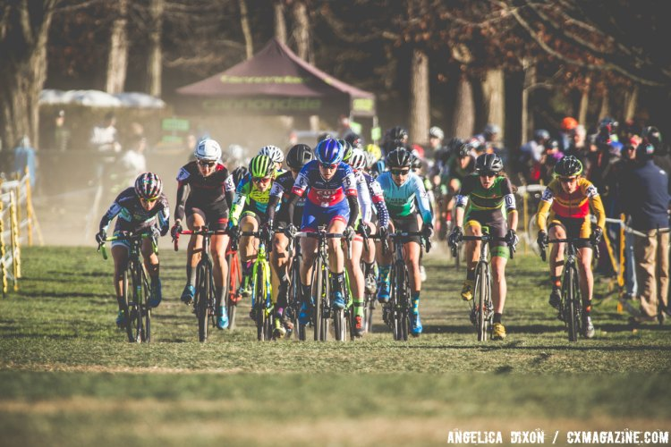 Maghalie Rochette took the hole shot and lead the group for the first lap. © Angelica Dixon