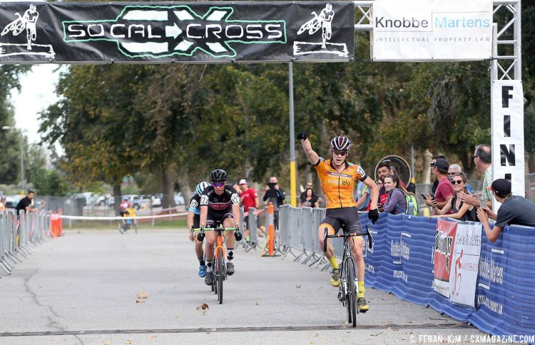 Grant Ellwood sprints to the 2016 CXLA Cyclocross Day 1 victory. © C. Fegan Kim. Cyclocross Magazine