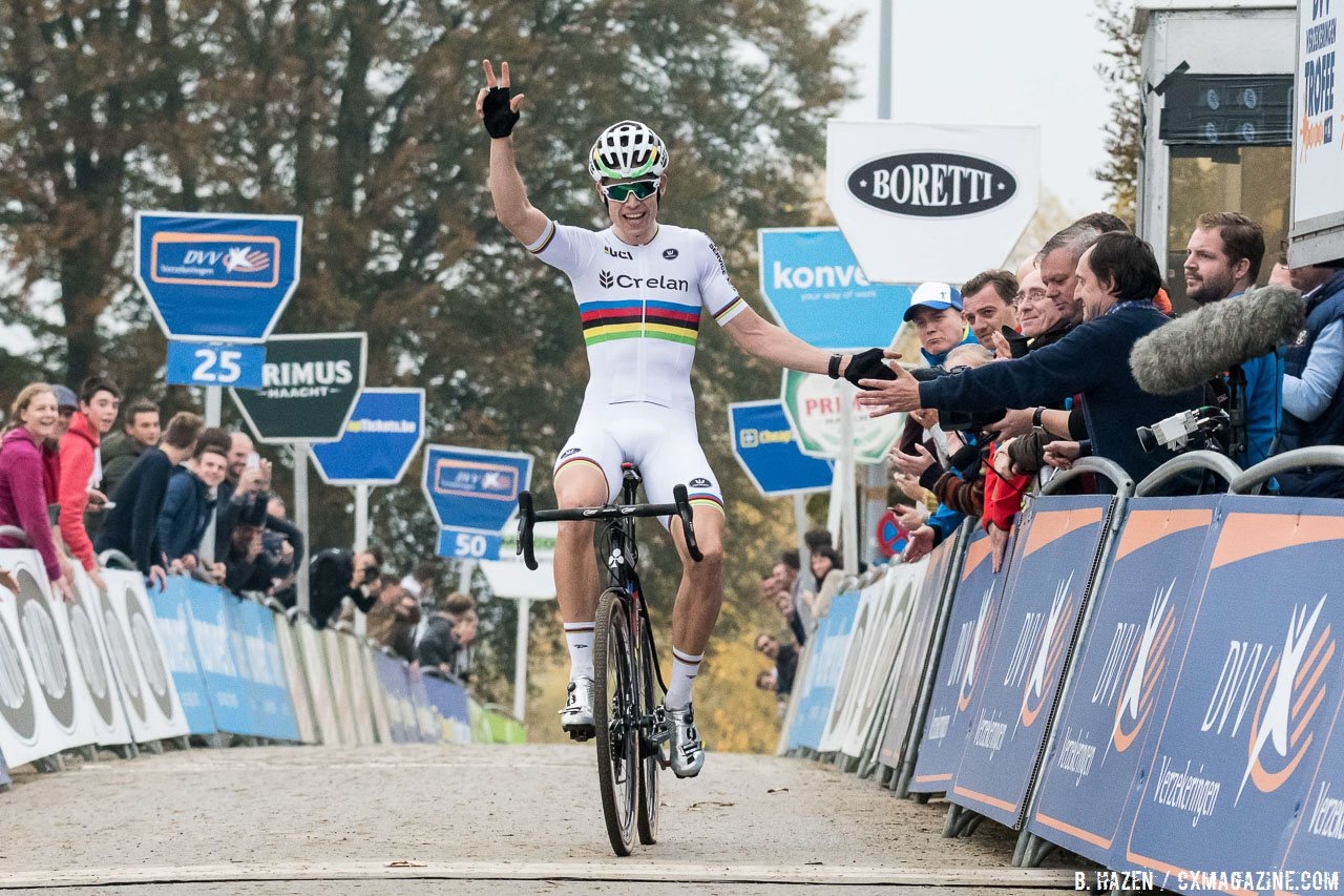 Van Aert makes it three straight wins on the Koppenberg. Elite Men. 2016 Koppenbergcross, DVV Verzekeringen Trofee Series race #2. © Peter Scholz / Cyclocross Magazine