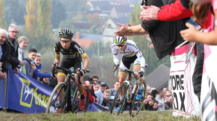 A duel for the ages. Verschueren and De Jong. Elite Women. 2016 Koppenbergcross, DVV Verzekeringen Trofee Series race #2. © B. Hazen / Cyclocross Magazine