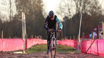 Hanka Kupfernagel previews the 2016 Zeven Cyclocross World Cup course in the preview video.