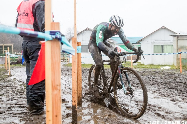 Garry Millburn wins Day 2 of the 2016 Rapha Super Cross Nobeyama, Japan. © J. Curtes / Cyclocross Magazine