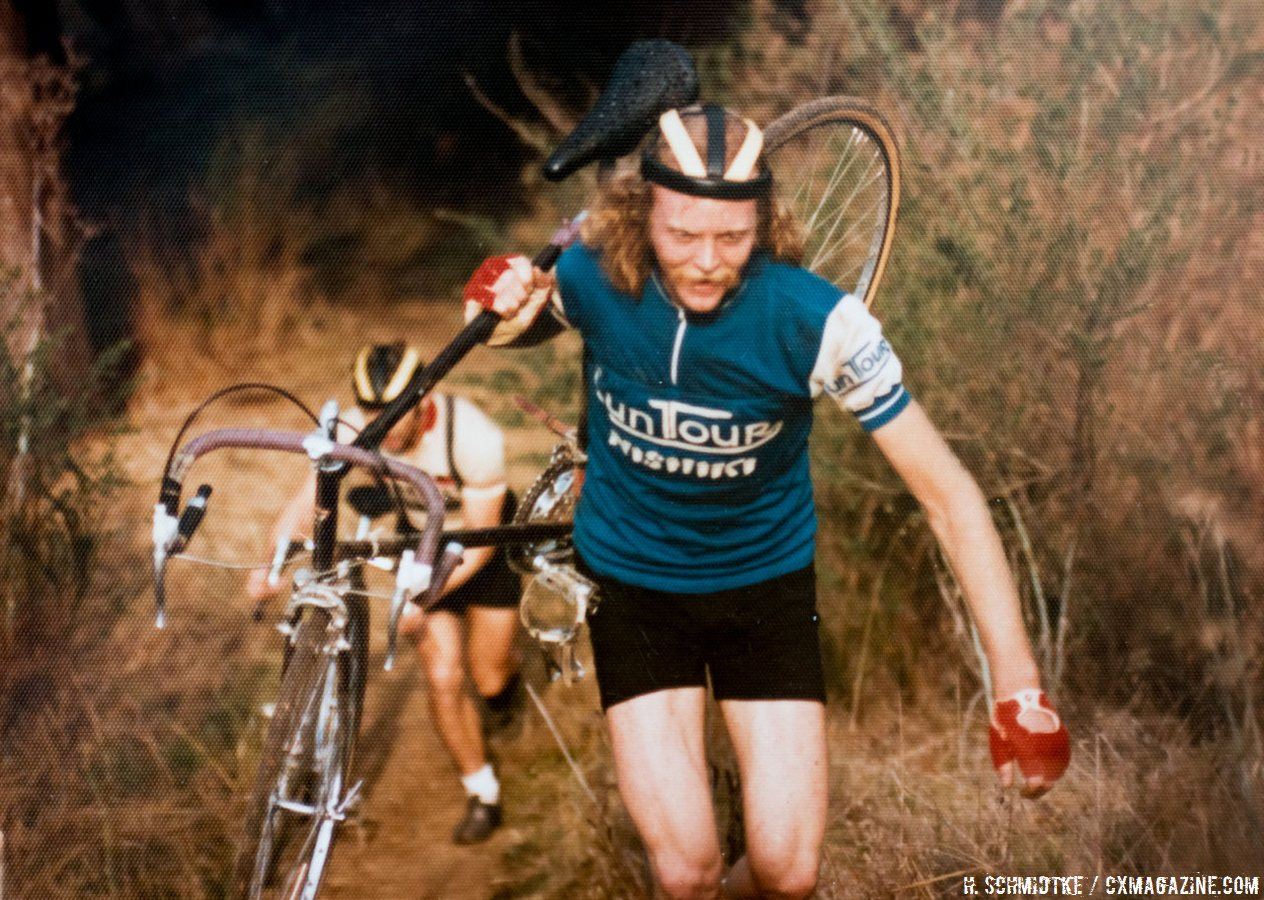 Gary Fisher with his unique carrying style. Mill Valley Cyclocross. December 1, 1974. © Hermann Schmidtke