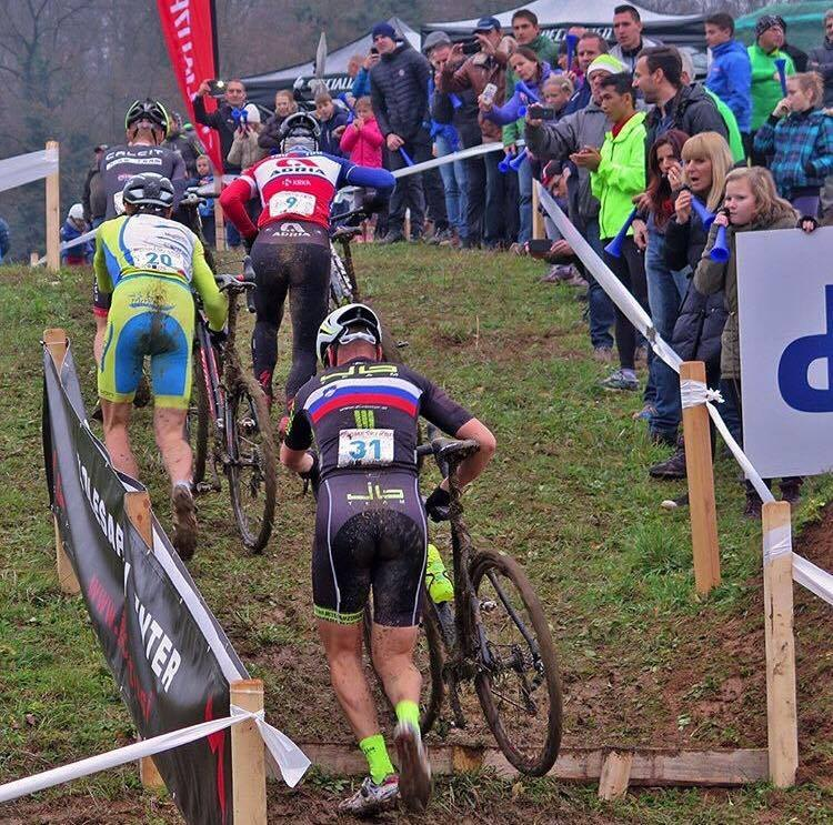 Peter Zupančič (Calcit) leads David Per (Adria Mobil - #9), Primož Obal (#20) and ex-Slovenian Champion Gregor Sikošek (JB Team - #31) on the run-up at the 2016 Slovenia Cyclocross National Championship. © mtb.si