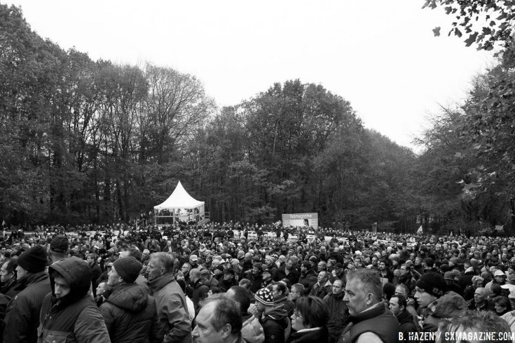 The crowds came out in force. 2016 Superprestige Gavere Elite Men. © B. Hazen / Cyclocross Magazine