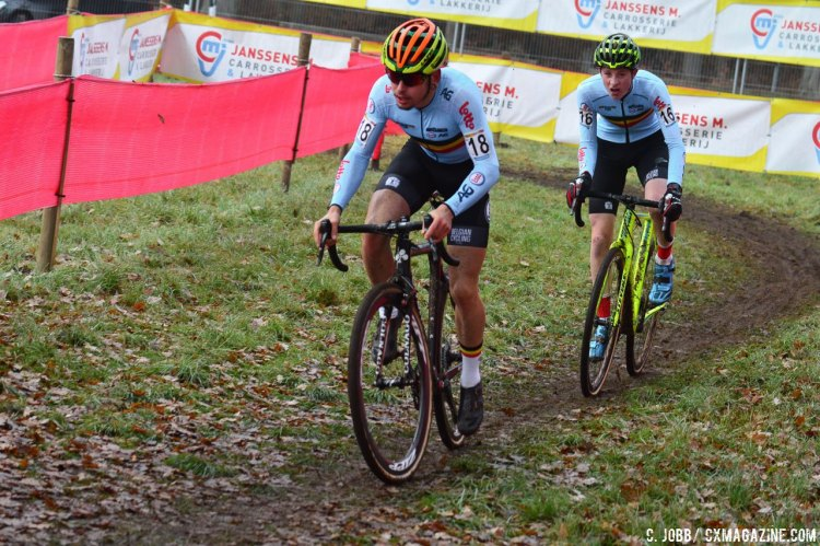 Jelle Camps leads Toon Vandebosch and the duo would finish in that order at the Zeven Junior Men's race. © C. Jobb / Cyclocross Magazine