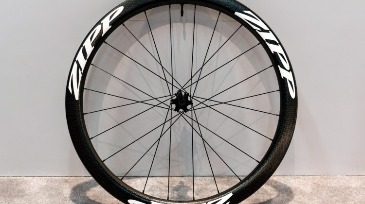 The Zipp 303 Firecrest Carbon Tubeless Clincher for disc brakes has an aerodynamic shape, weighs 1625 grams and is priced at $3400. © Clifford Lee