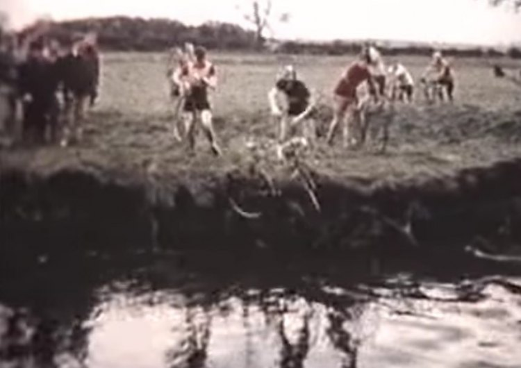 1960 Tyneside Vagabonds cyclocross racers faced several deep water crossings, without a shark jump.