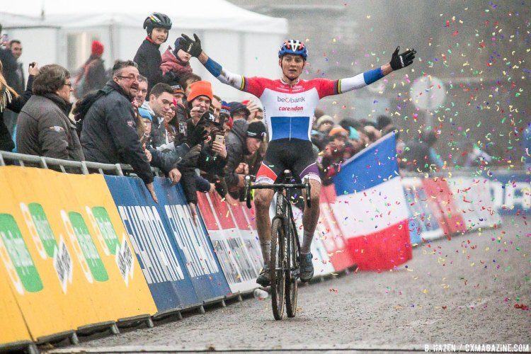 Mathieu van der Poel win his third World Cup in a row. 2016 UCI Cyclocross World Cup Namur. Elite Men. © B. Hazen / Cyclocross Magazine