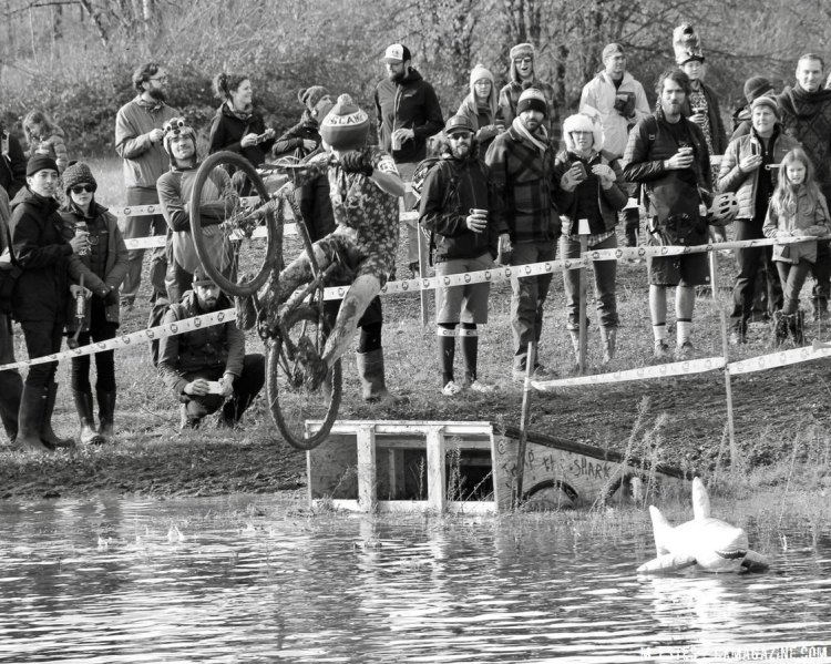 Some attempted to jump the shark, but most just got dunked. 2016 SSCXWC consolation round. © M. Estes / Cyclocross Magazine