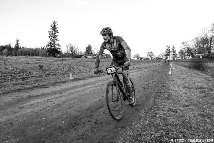 Craig in control, before a brief chain issue shrunk his lead. 2016 SSCXWC Men's Finals. © M. Estes / Cyclocross Magazine
