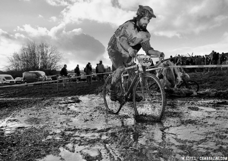 With such soggy conditions, racers who opted or lower gears were happy. 2016 SSCXWC Men's Finals. © M. Estes / Cyclocross Magazine