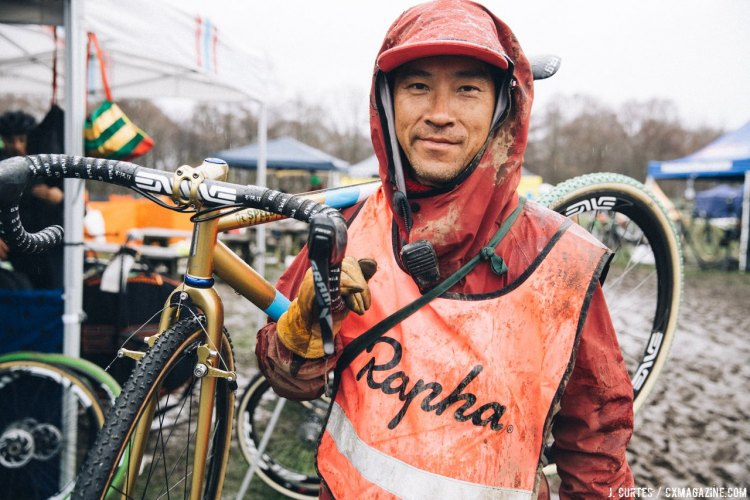 Daisuke Yano and his team (Motoji Kinumoto pictured here) promote the 2016 Nobeyama Rapha Super Cross but also don't miss a chance to line up and race. © Jeff Curtes