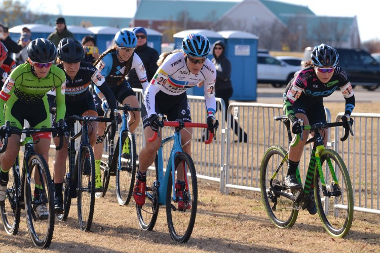 Katie Compton leads from the start on Day 2 of 2016 Ruts 'N Guts. © Christina Luera / Cyclocross Magazine