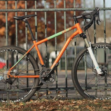 FitWell Bicycle Company's new Schratz adventure bike can handle rigid or suspension forks.
