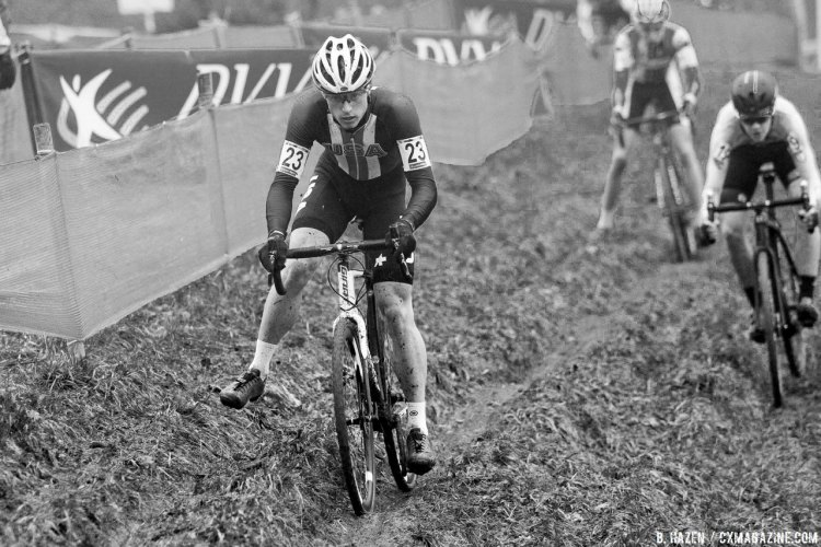 Stephenson tripods on the tricky off-camber. 2016 UCI Cyclocross World Cup Junior Men. © B. Hazen / Cyclocross Magazine