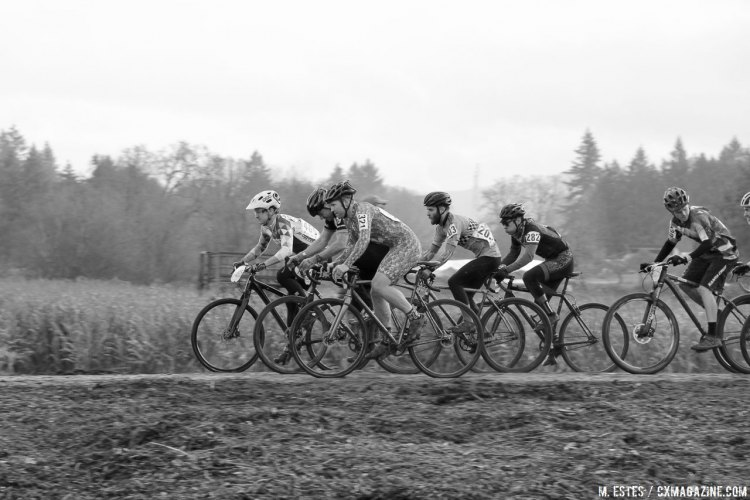 Start of a qualifying heat. The 10th SSCXWC in Portland, 2016. © M. Estes / Cyclocross Magazine