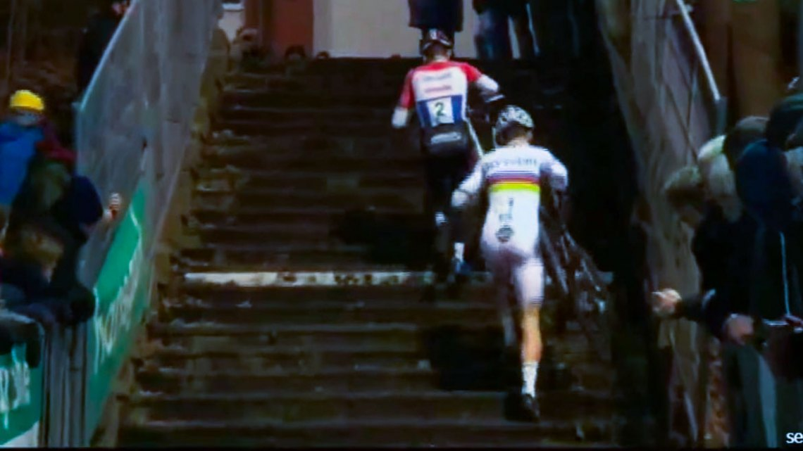 Mathieu van der Poel and Wout van Aert in another beautiful duel at the 2016 Superprestige Diegem - Video screen grab