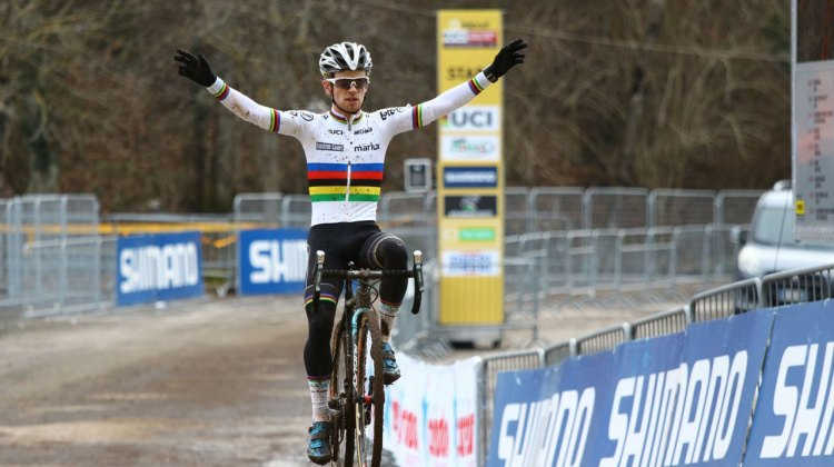 Eli Iserbyt does his rainbow stripes proud in Italy, winning the 2017 Fiuggi UCI Cyclocross World Cup. U23 Men. Italy. © C. Jobb / Cyclocross Magazine