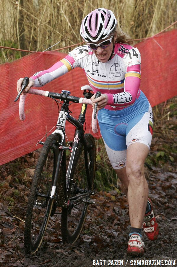 Suzie Godart will run on emotions this weekend in front of her hometown fans in Bieles. © B. Hazen / Cyclocross Magazine