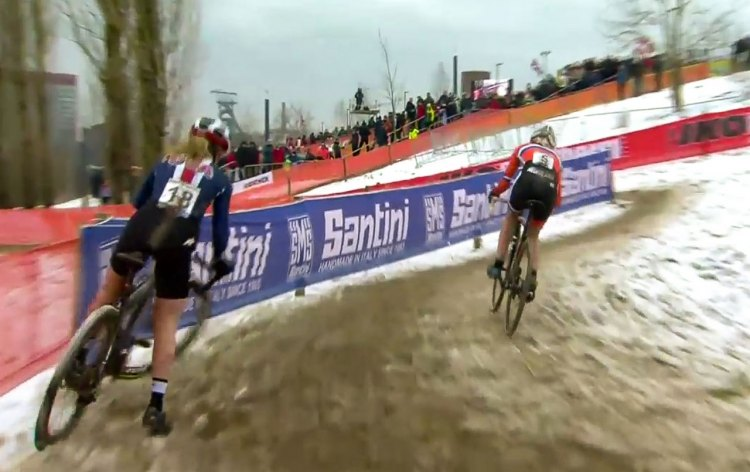 The inside pass that Worst used for the final lead change. U23 Women's race. 2017 UCI Cyclocross World Championships, Bieles, Luxembourg.
