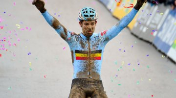 Wout van Aert defends his rainbow jersey. Elite Men. 2017 UCI Cyclocross World Championships, Bieles, Luxembourg. © C. Jobb / Cyclocross Magazine