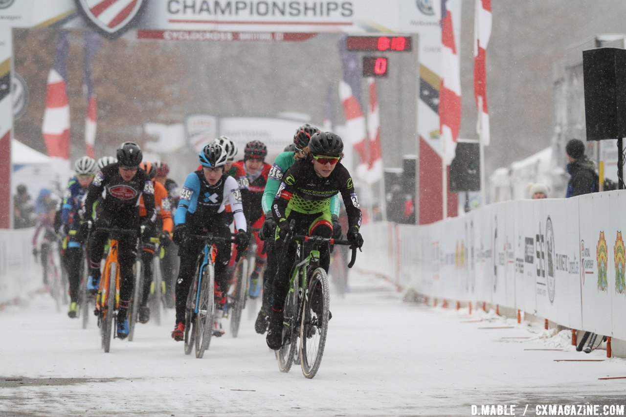 Alex Morton (Cannondale/Cyclocrossworld) leads the charge and takes the holeshot in the Junior Men 15-16 race. © D. Mable / Cyclocross Magazine