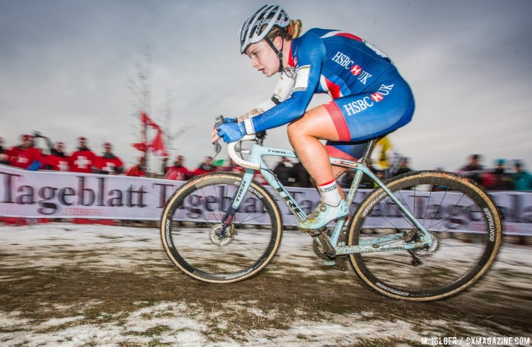 Early Leader Evie Richards, the defending champion. U23 Women, 2017 UCI Cyclocross World Championships, Bieles, Luxembourg. © M. Hilger / Cyclocross Magazine