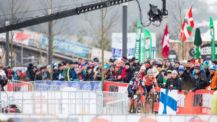 Noble and Worst go one-on-one. U23 Women, 2017 UCI Cyclocross World Championships, Bieles, Luxembourg. © M. Hilger / Cyclocross Magazine
