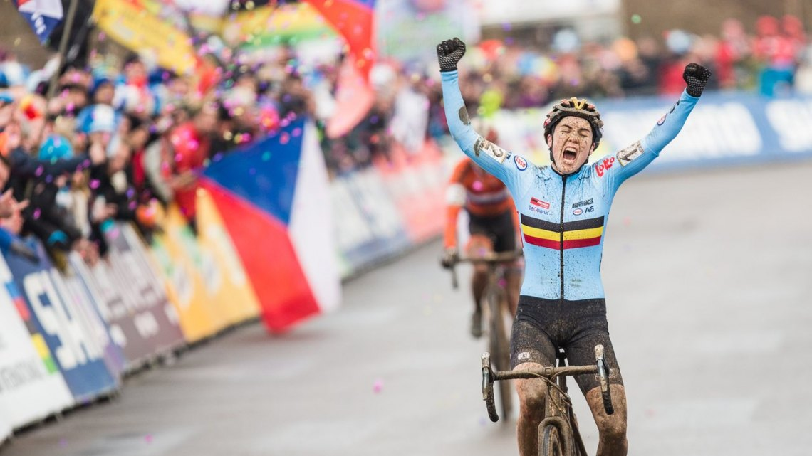 Sanne Cant finally achieves her 20-year-old dream, and you could hear her celebration in the States. 2017 UCI Cyclocross World Championships, Bieles, Luxembourg. © M. Hilger / Cyclocross Magazine