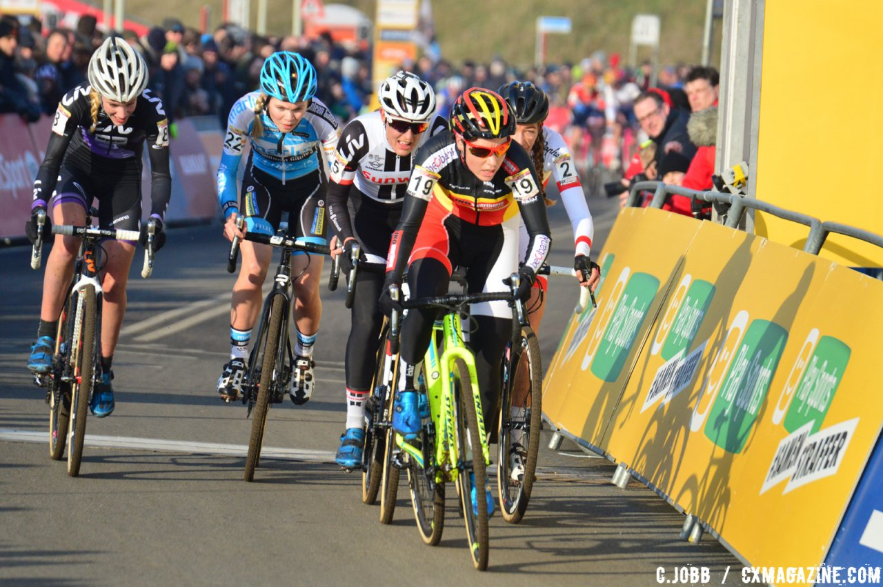 Sanne Cant leads a group. 2017 Hoogerheide World Cup Elite Women. © C. Jobb / Cyclocross Magazine