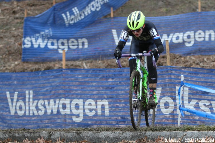 Katherine Shields grabbed the holeshot and relinquished the lead to her sister. 2017 Cyclocross National Championships, Collegiate Club Women. © D. Mable / Cyclocross Magazine