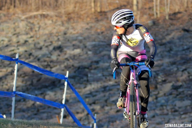 Winner Avanell Schmitz (Mermaid Winery) checks on her competition. 2017 Cyclocross National Championships, Masters Women 30-34. © D. Mable / Cyclocross Magazine