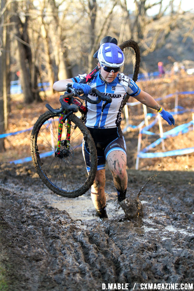 Janelle Cole gets the feet dirty but keeps her kit clean on to seventh. 2017 Cyclocross National Championships, Women's Collegiate Varsity Race. © D. Mable / Cyclocross Magazine