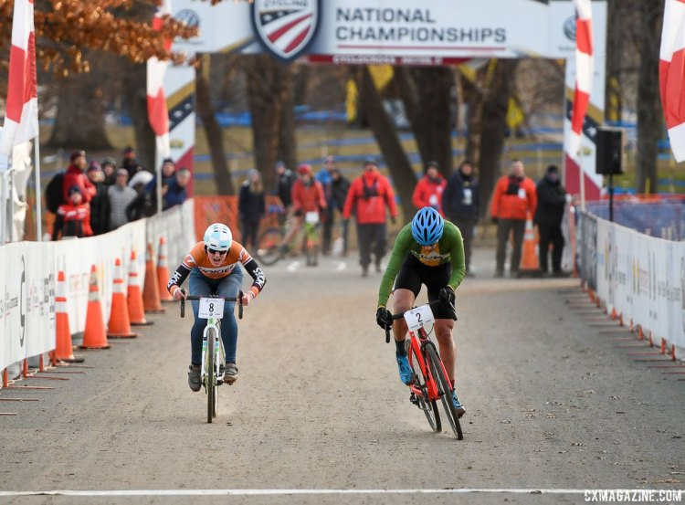University of Vermont outsprinted Virginia Tech (who was on a singlespeed) to take the club varisty relay title. 2017 Cyclocross National Championships, Collegiate Relays. © A. Yee / Cyclocross Magazine