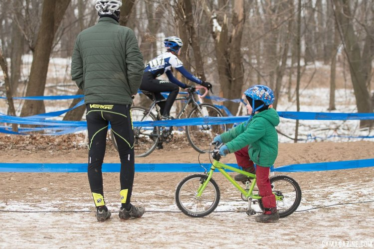 The fans came in all sizes and ages, today. 2017 Cyclocross National Championships, Junior Women 13-14. © A. Yee / Cyclocross Magazine