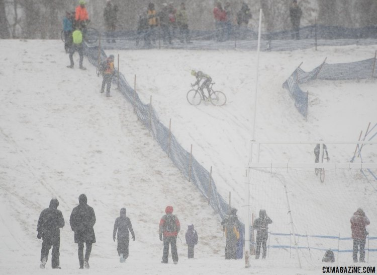 Not only did the snow make visibility difficult, it made traction harder still. 2017 Cyclocross National Championships, Singlespeed Women. © A. Yee / Cyclocross Magazine