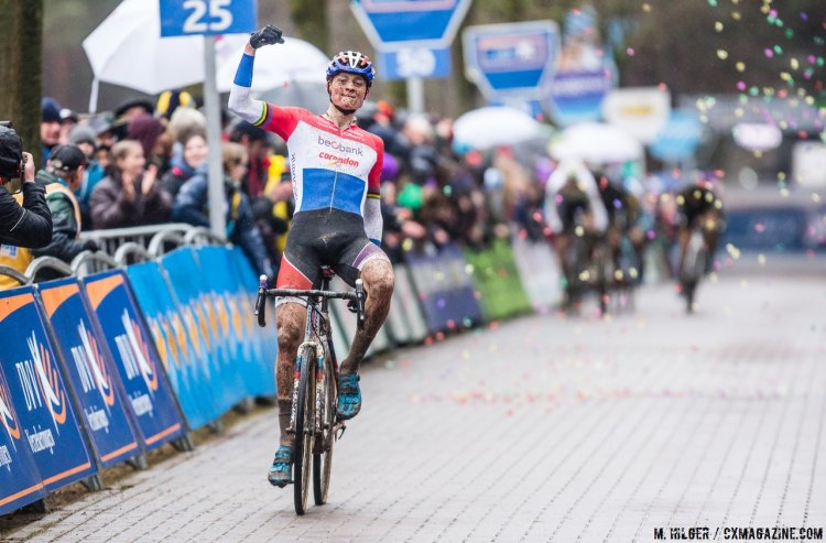 Mathieu van der Poel stays undefeated post-Worlds.2017 Krawatencross, Lille. © M. Hilger / Cyclocross Magazine
