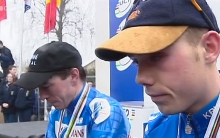 Sven Nys and Mario de Clercq disappointed after a Richard Groenendaal Worlds win in 2000.