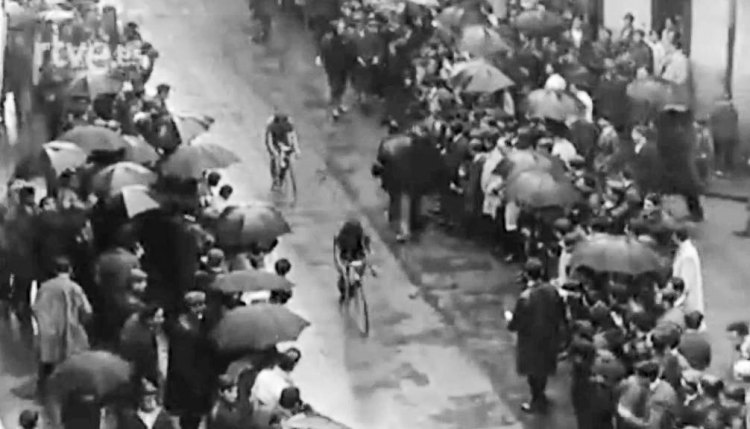 TBT - Throwback Thursday video to cyclocross in the Basque region of Spain, from 1956-1970.