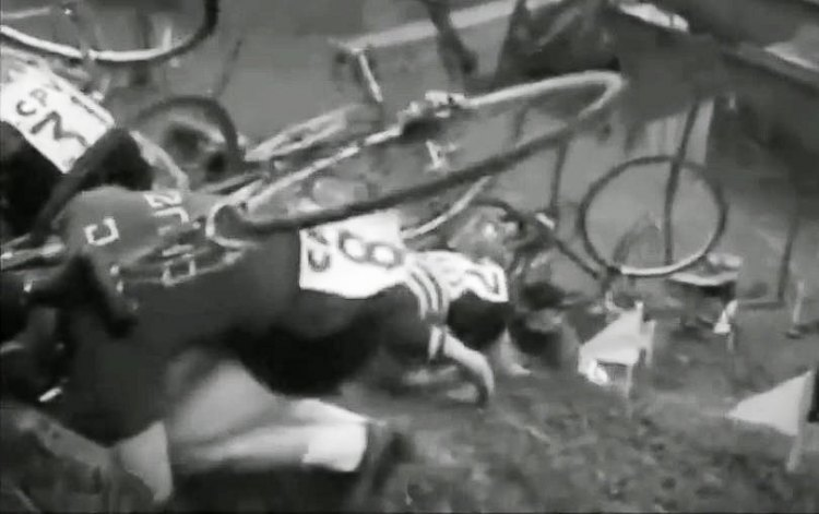 Crawl-ups, not run-ups. TBT - Throwback Thursday video to cyclocross in the Basque region of Spain, from 1956-1970.