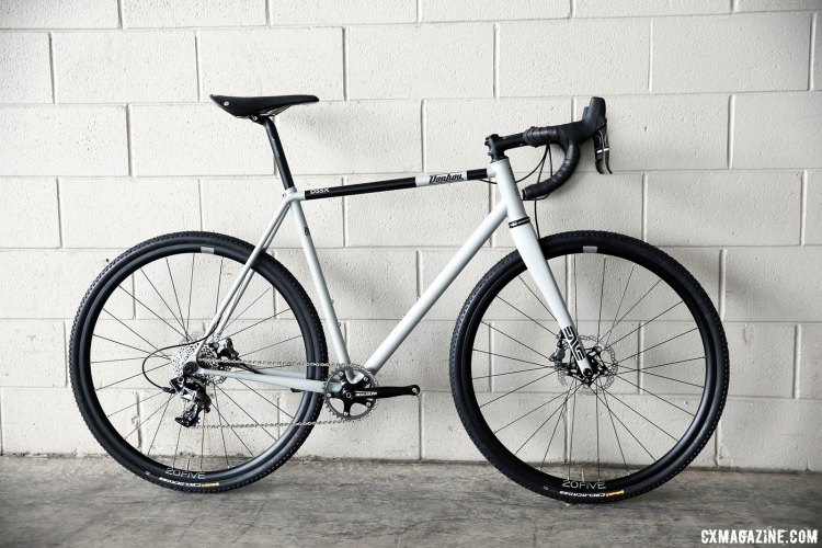 The Donhou DSSX strikes a very subtle pose with its understated color scheme, but the disc brakes, internal cable routing and wide tires speak to the potential of this race rig.