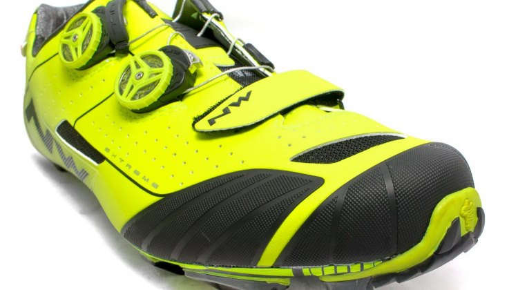 Northwave Extreme XC mountain bike shoes are thoroughly armored up front and along the sides. © Cyclocross Magazine