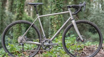 Technical trails? Gravel roads? The Otso Cycles Warakin stainless steel gravel/cyclocross bike adjusts to its surroundings with the Tuning Chip rear dropout. © Cyclocross Magazine