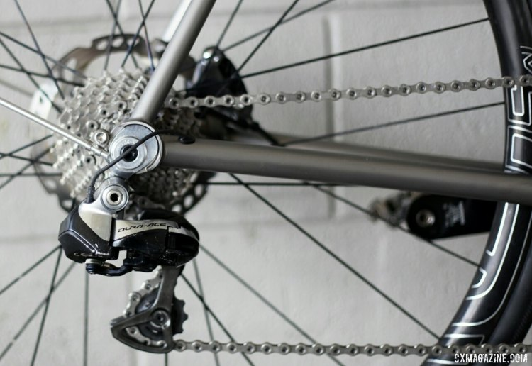 Shimano Dura-Ace Di2 makes for clean lines without cables. © C. Fegan-Kim Cyclocross Magazine