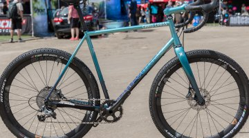 Beautiful fade paint. WTB i324 650B wheels and Ritchey Shield 2.1 tires. © C. Lee / Cyclocross Magazine
