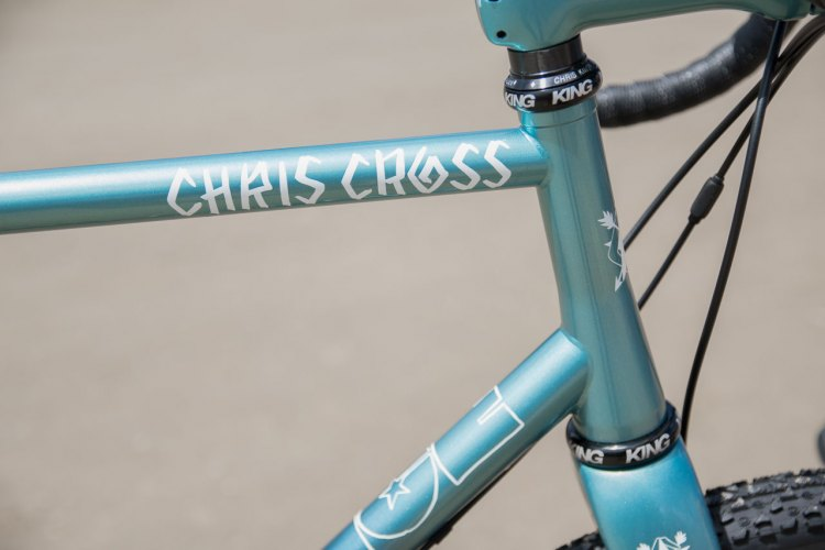 Elegantly tapered head tube and very clean welds by CoMotion! © C. Lee / Cyclocross Magazine