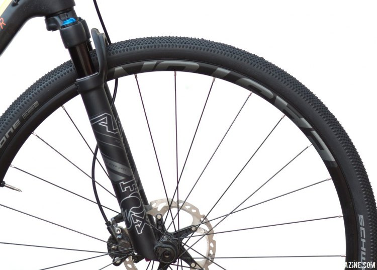The 32 Step-Cast AX (Adventure Cross) suspension fork for gravel bikes slackens the head angle of a typical bike by a bit more than a degree. © Cyclocross Magazine